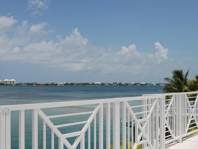 /listing-single-family-home-in-east-bay-street-34738.html from Coldwell Banker Bahamas Real Estate