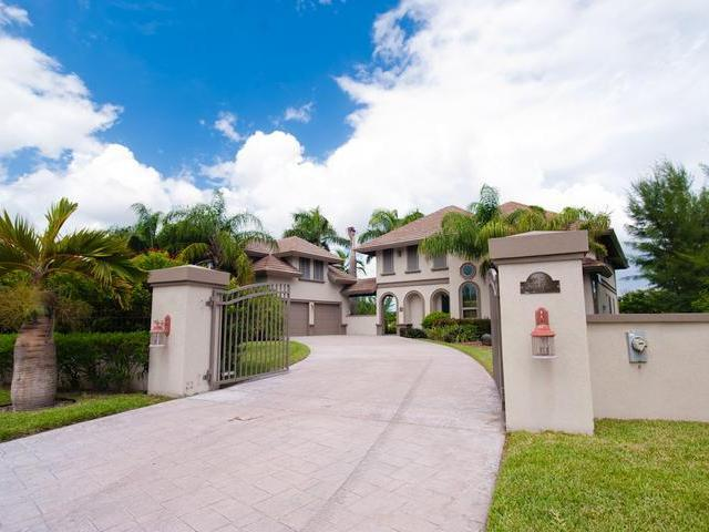 /listing-single-family-home-in-fortune-bay-33428.html from Coldwell Banker Bahamas Real Estate