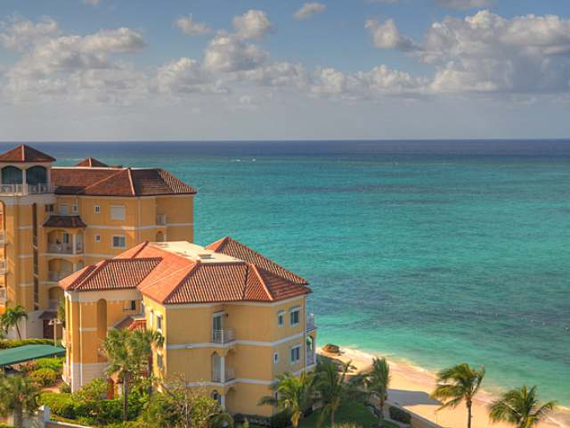 /listing-condo-in-west-bay-street-33418.html from Coldwell Banker Bahamas Real Estate