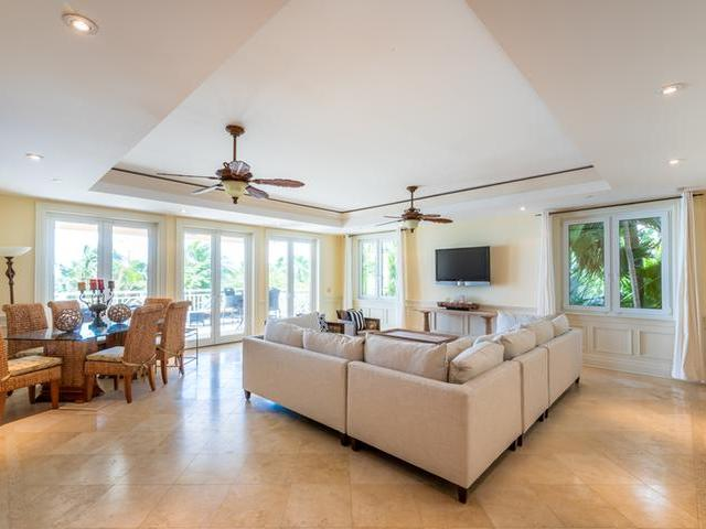/listing-condo-in-paradise-island-33430.html from Coldwell Banker Bahamas Real Estate