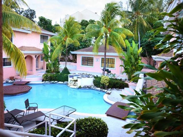 /listing-condo-in-paradise-island-33476.html from Coldwell Banker Bahamas Real Estate