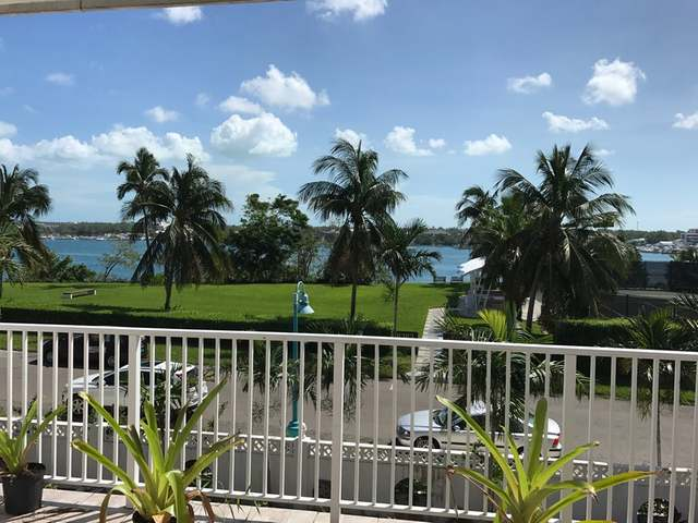 /listing-condo-in-paradise-island-33460.html from Coldwell Banker Bahamas Real Estate