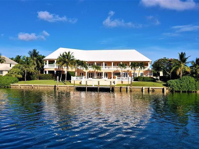 /listing-single-family-home-in-lyford-cay-33612.html from Coldwell Banker Bahamas Real Estate