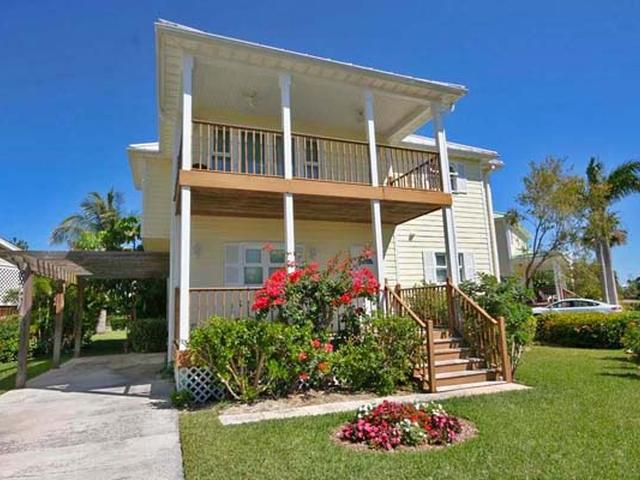 /listing-single-family-home-in-lucaya-33738.html from Coldwell Banker Bahamas Real Estate