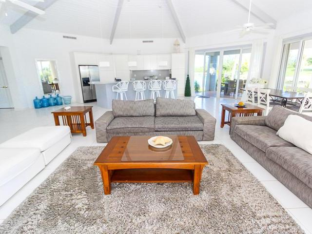 /listing-single-family-home-in-fortune-bay-34211.html from Coldwell Banker Bahamas Real Estate