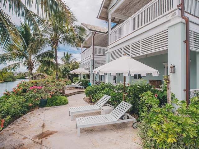 /listing-single-family-home-in-old-fort-bay-34097.html from Coldwell Banker Bahamas Real Estate