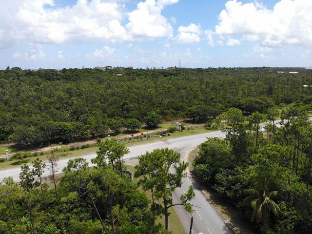 /listing-lots-acreage-in-lyford-cay-34408.html from Coldwell Banker Bahamas Real Estate
