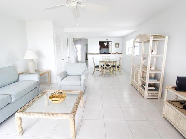 /listing-condo-in-lucaya-34333.html from Coldwell Banker Bahamas Real Estate