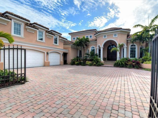 /listing-single-family-home-in-paradise-island-35991.html from Coldwell Banker Bahamas Real Estate