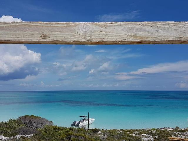/listing-single-family-home-in-rose-island-34686.html from Coldwell Banker Bahamas Real Estate