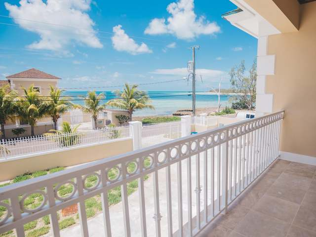 /listing-single-family-home-in-yamacraw-34713.html from Coldwell Banker Bahamas Real Estate