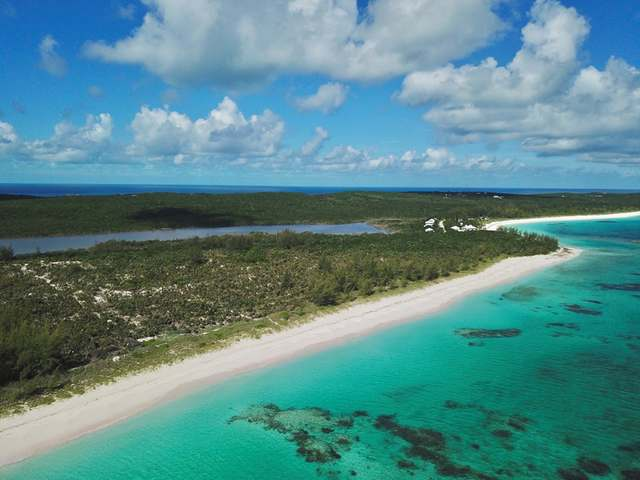 /listing-lots-acreage-in-governors-harbour-34784.html from Coldwell Banker Bahamas Real Estate