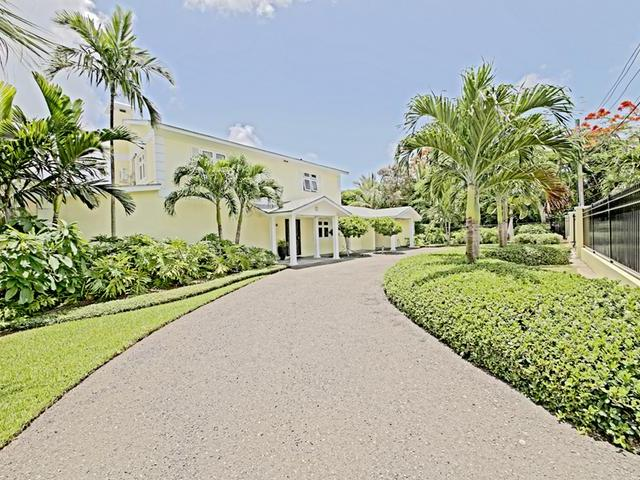 /listing-single-family-home-in-west-bay-street-34808.html from Coldwell Banker Bahamas Real Estate