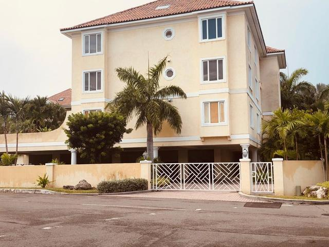 /listing-condo-in-paradise-island-34825.html from Coldwell Banker Bahamas Real Estate