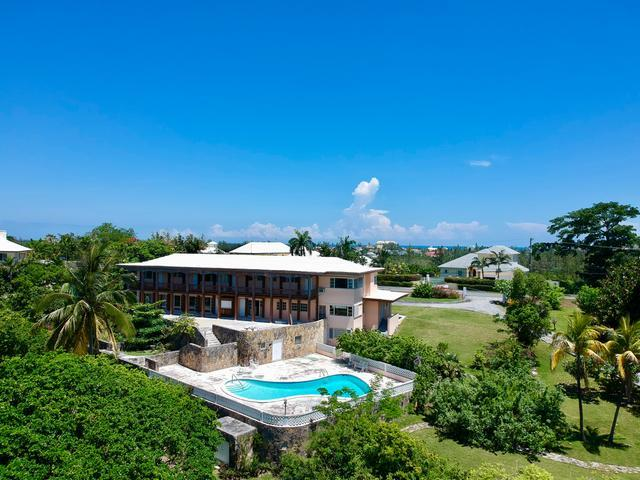 /listing-single-family-home-in-skyline-34862.html from Coldwell Banker Bahamas Real Estate