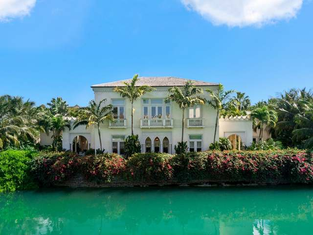 /listing-single-family-home-in-old-fort-bay-35232.html from Coldwell Banker Bahamas Real Estate