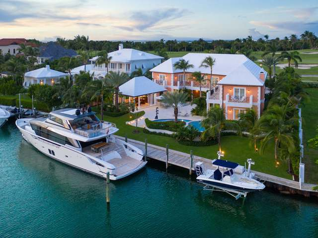 /listing-single-family-home-in-paradise-island-35167.html from Coldwell Banker Bahamas Real Estate