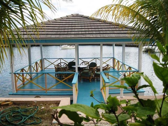 /listing-fourplex-in-bell-channel-35250.html from Coldwell Banker Bahamas Real Estate