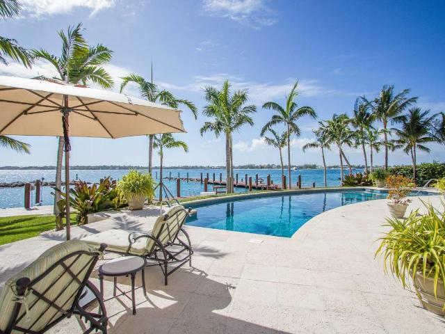 /listing-single-family-home-in-paradise-island-35293.html from Coldwell Banker Bahamas Real Estate