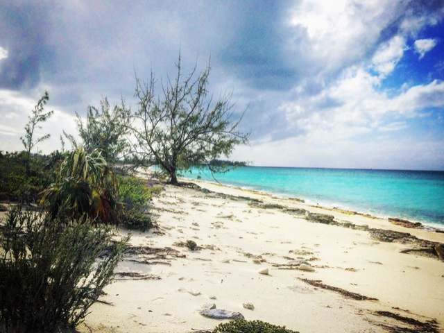 /listing-lots-acreage-in-hawks-nest-35748.html from Coldwell Banker Bahamas Real Estate