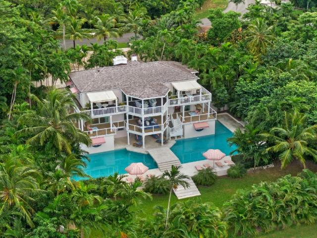 /listing-single-family-home-in-lyford-cay-35445.html from Coldwell Banker Bahamas Real Estate