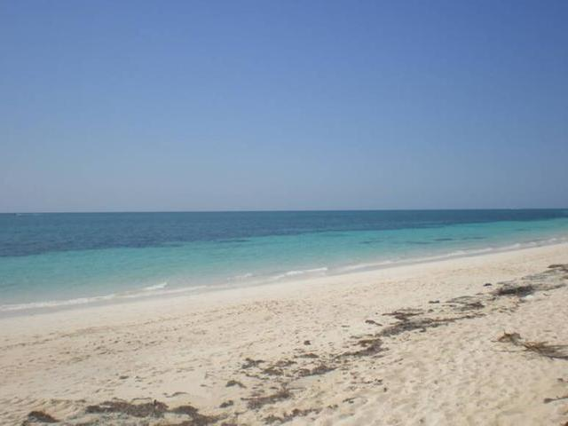 /listing-single-family-home-in-lucaya-35509.html from Coldwell Banker Bahamas Real Estate