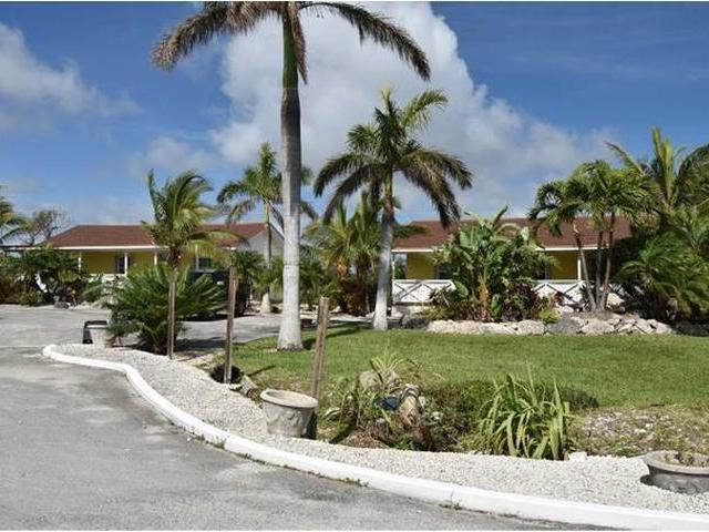 /listing-single-family-home-in-lucaya-35508.html from Coldwell Banker Bahamas Real Estate