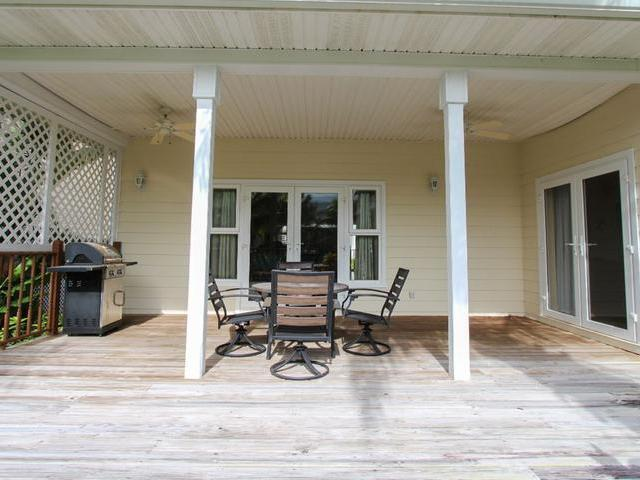 /listing-single-family-home-in-lucaya-35488.html from Coldwell Banker Bahamas Real Estate