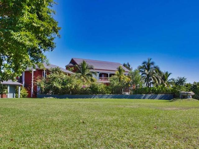 /listing-single-family-home-in-bell-channel-35806.html from Coldwell Banker Bahamas Real Estate