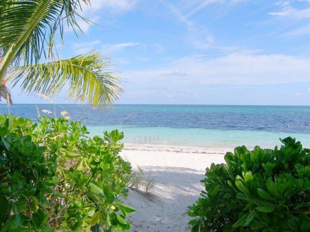 /listing-lots-acreage-in-lyford-cay-35828.html from Coldwell Banker Bahamas Real Estate