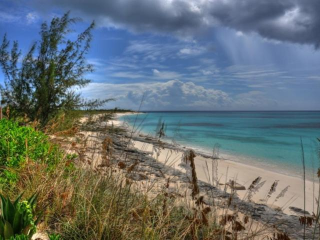 /listing-single-family-home-in-columbus-landings-38345.html from Coldwell Banker Bahamas Real Estate