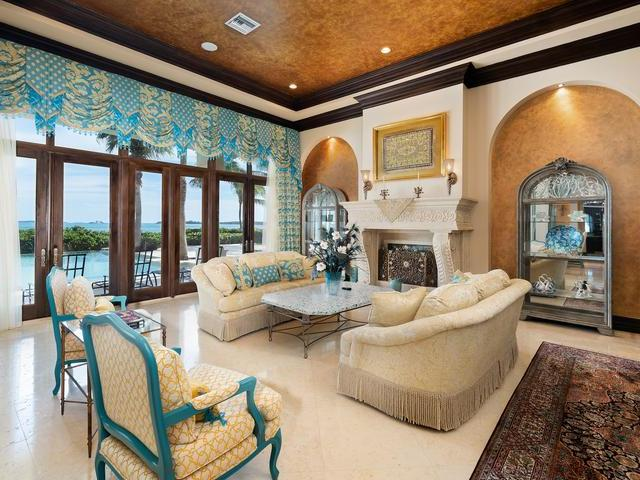 /listing-single-family-home-in-paradise-island-36299.html from Coldwell Banker Bahamas Real Estate
