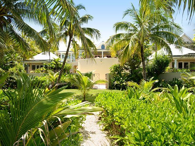 /listing-single-family-home-in-old-fort-bay-36304.html from Coldwell Banker Bahamas Real Estate