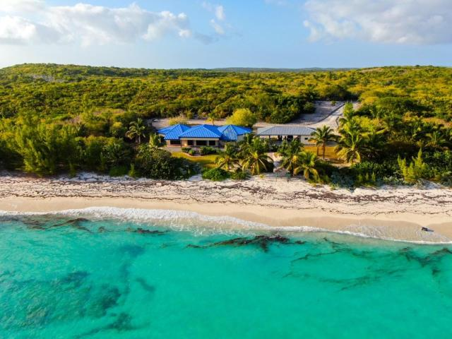 /listing-single-family-home-in-port-howe-37663.html from Coldwell Banker Bahamas Real Estate