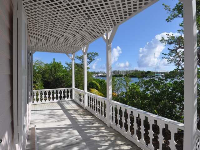 /listing-single-family-home-in-green-turtle-cay-36125.html from Coldwell Banker Bahamas Real Estate