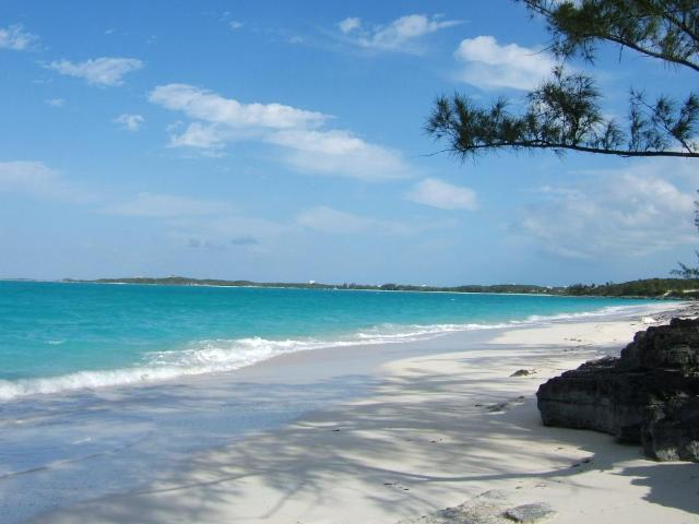 /listing-lots-acreage-in-hoopers-bay-36062.html from Coldwell Banker Bahamas Real Estate