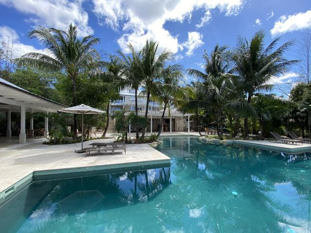 /listing-single-family-home-in-old-fort-bay-36729.html from Coldwell Banker Bahamas Real Estate