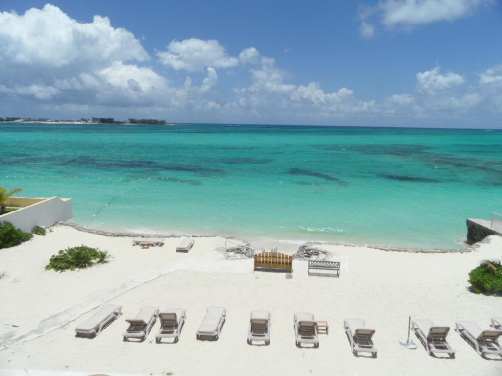 /listing-condo-in-cable-beach-36780.html from Coldwell Banker Bahamas Real Estate