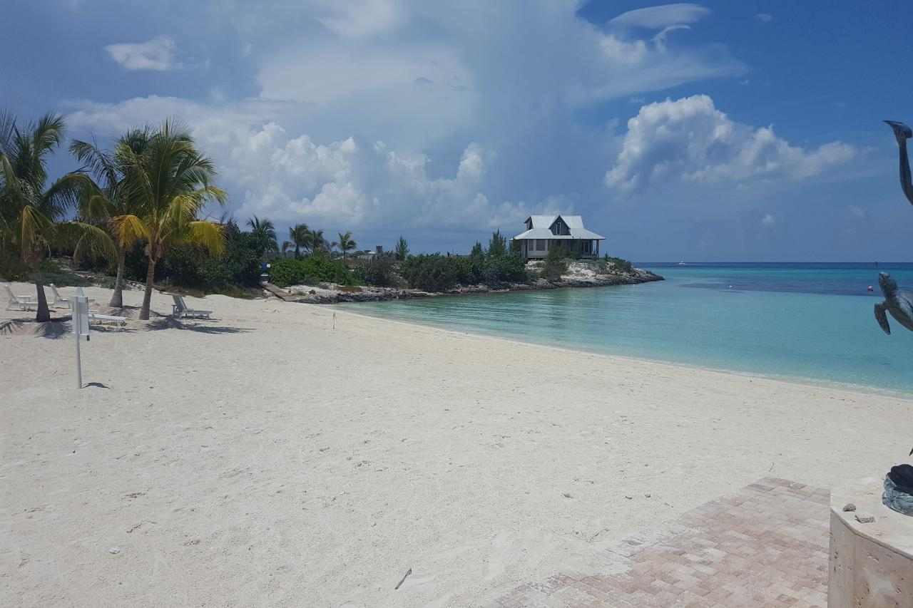 /listing-lots-acreage-in-chub-cay-37288.html from Coldwell Banker Bahamas Real Estate