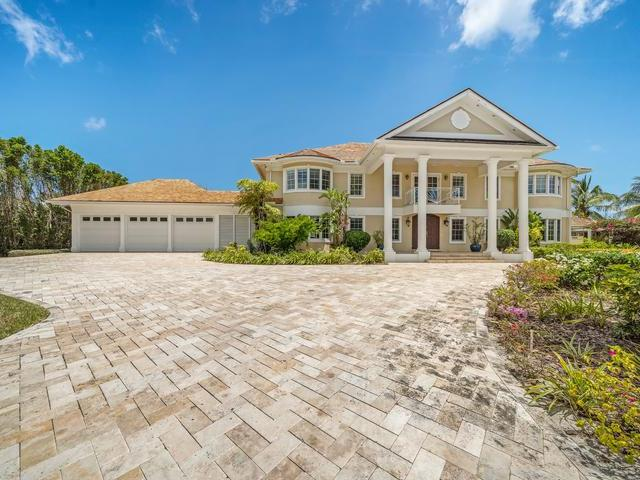 /listing-single-family-home-in-paradise-island-37526.html from Coldwell Banker Bahamas Real Estate