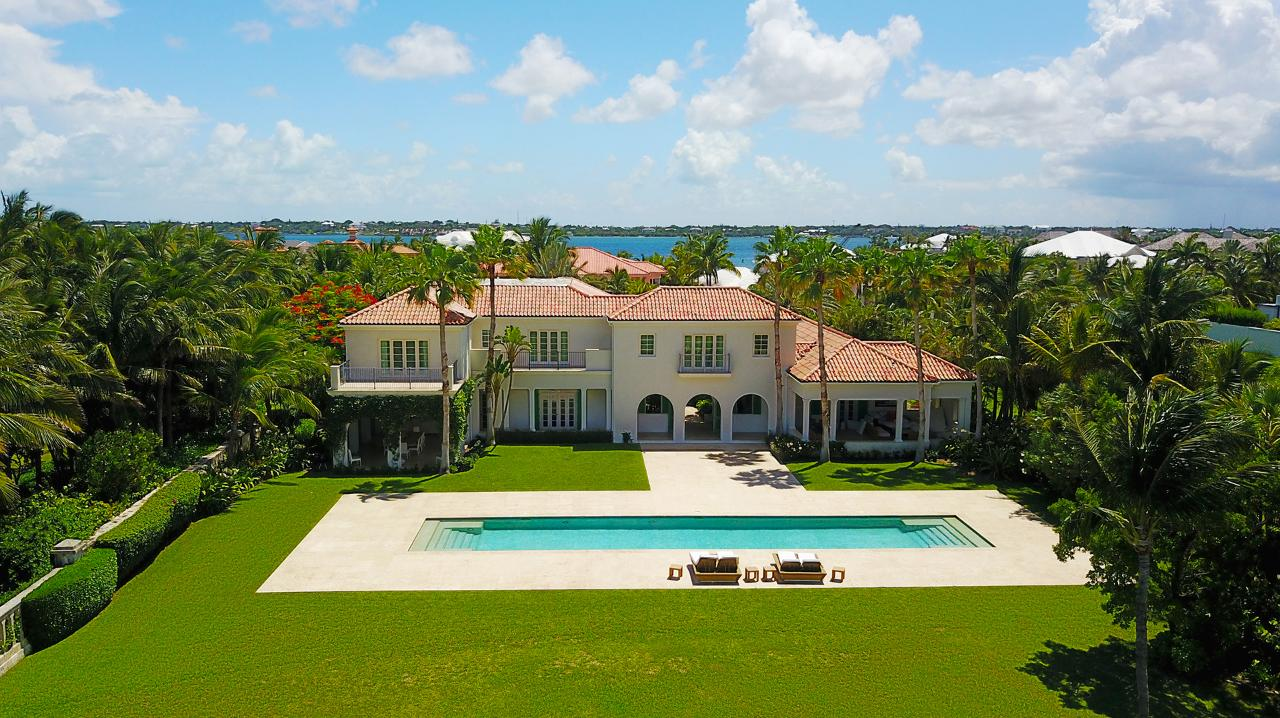 /listing-single-family-home-in-paradise-island-38280.html from Coldwell Banker Bahamas Real Estate