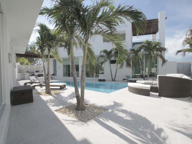 /listing-single-family-home-in-jimmy-hill-38623.html from Coldwell Banker Bahamas Real Estate