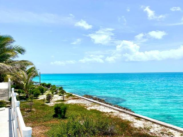 /listing-single-family-home-in-tarpum-bay-38701.html from Coldwell Banker Bahamas Real Estate
