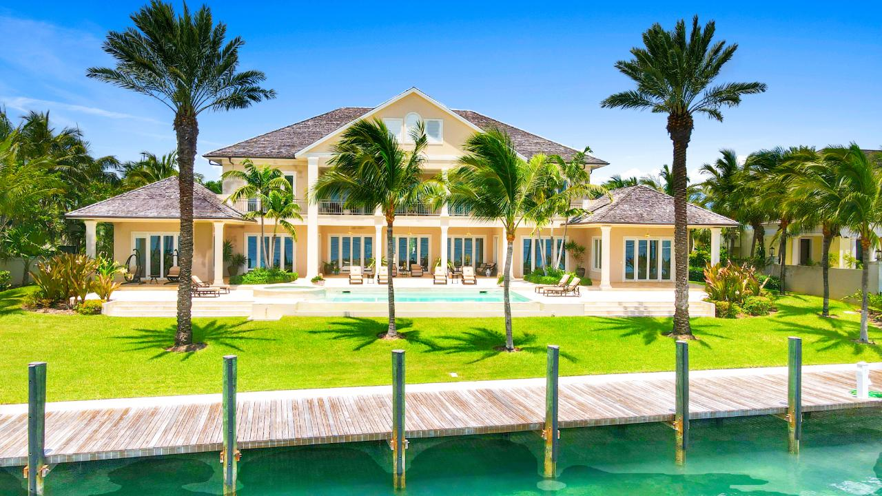 /listing-single-family-home-in-paradise-island-38752.html from Coldwell Banker Bahamas Real Estate