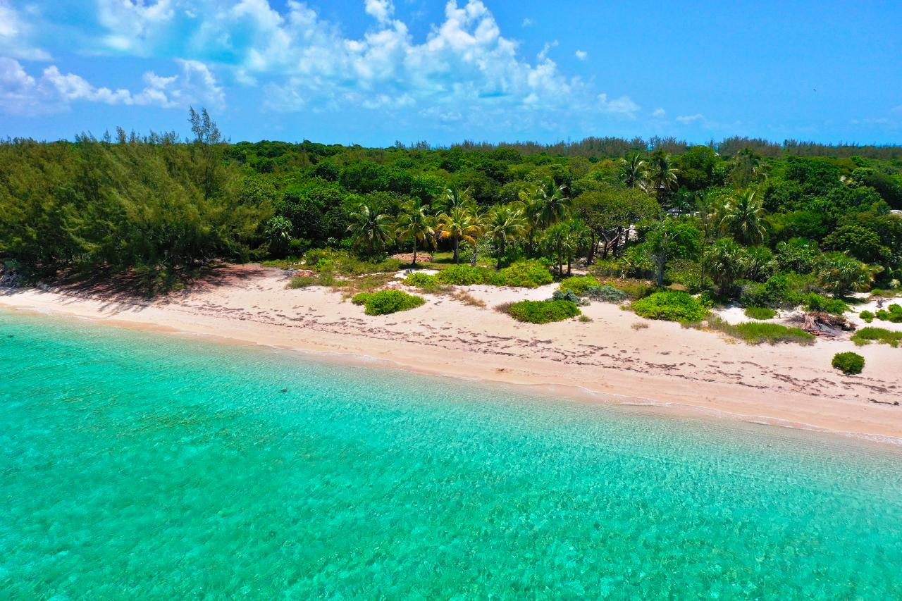 /listing-single-family-home-in-current-38829.html from Coldwell Banker Bahamas Real Estate