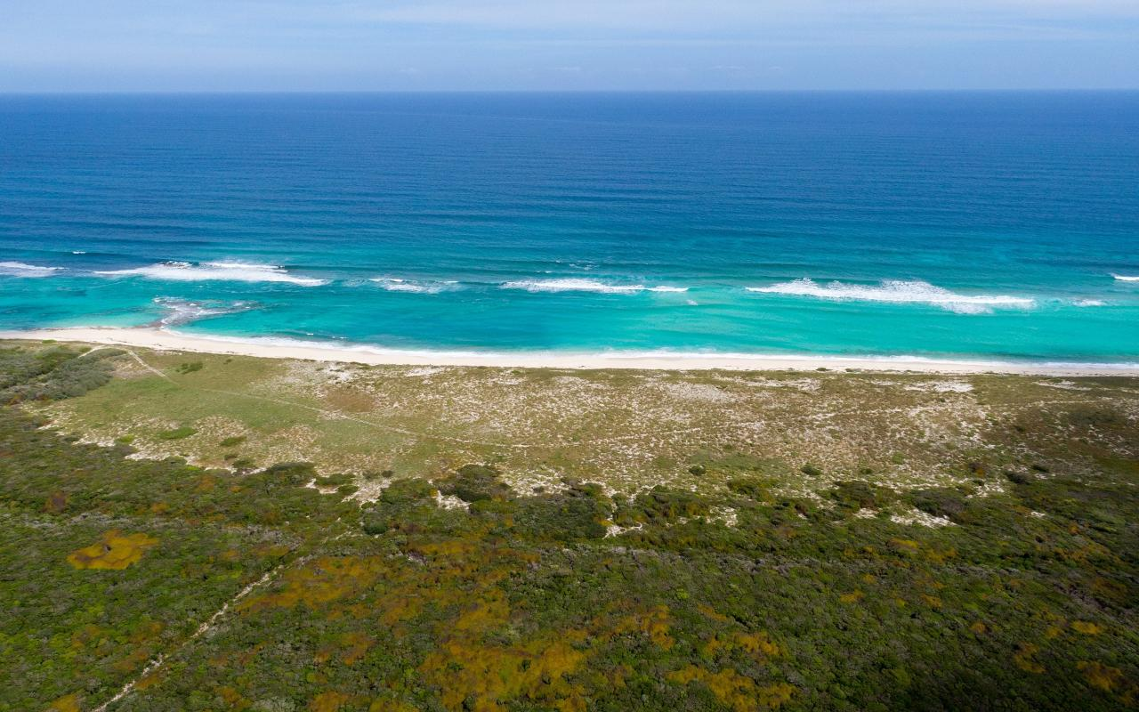 /listing-lots-acreage-in-crossing-rocks-38840.html from Coldwell Banker Bahamas Real Estate
