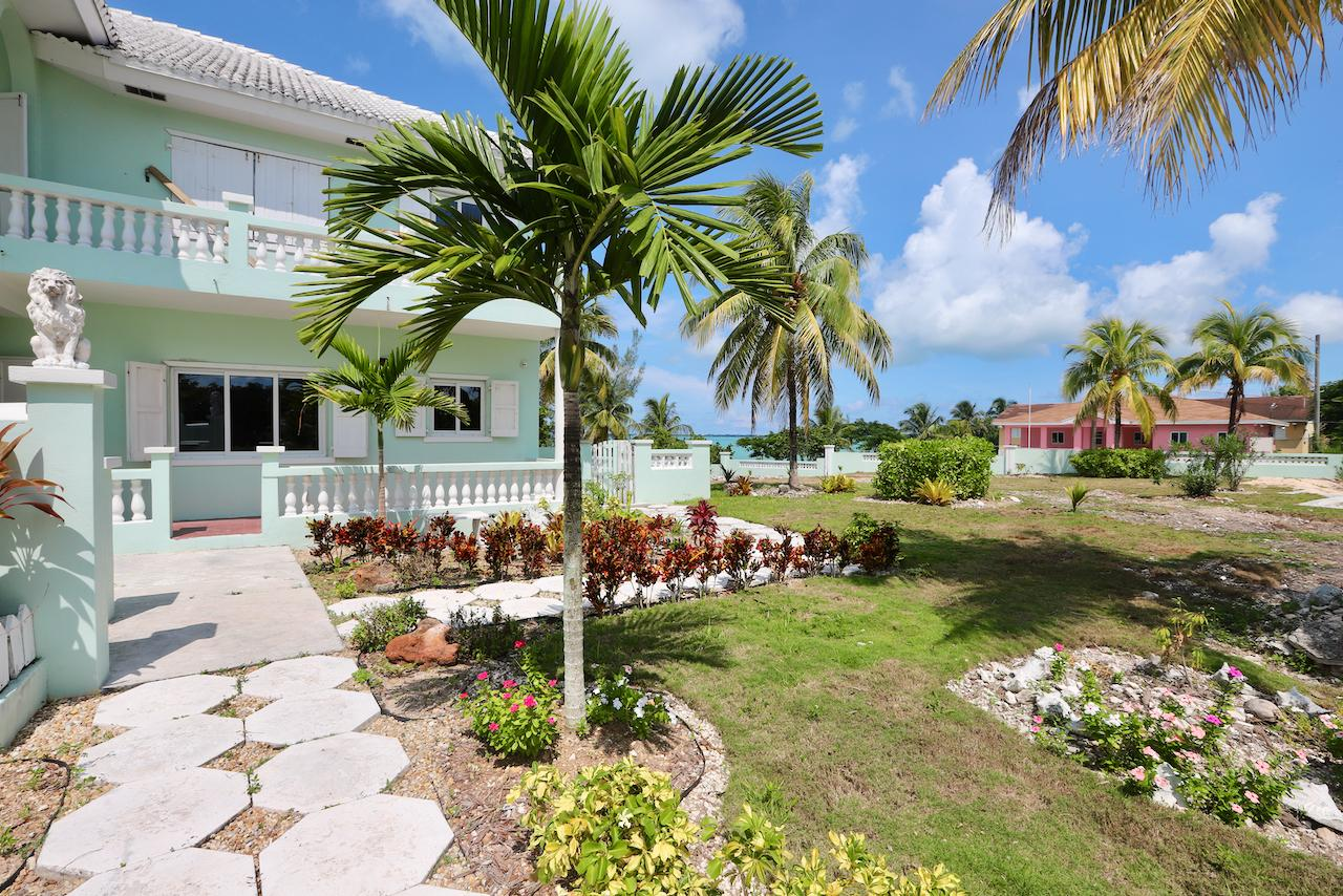 /listing-apartment-complex-in-the-bluff-39247.html from Coldwell Banker Bahamas Real Estate